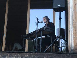 Angela Kilchör spielt «Sut las steilas»