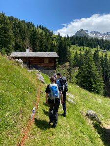 Wandern in der Val Medel: Aufstieg zur Alp Puzzetta