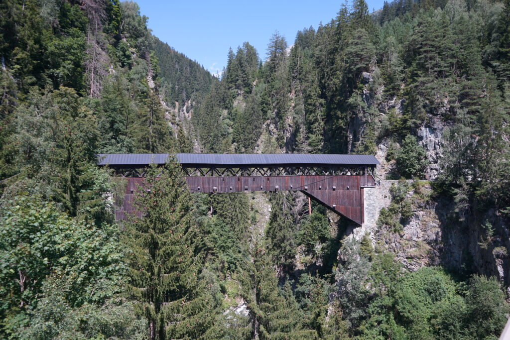 Holzbrücke Punt Gronda, Val Russein, Disentis/Sumvitg, Surselva